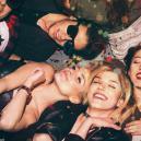 Auf Die Richtige Weise Mit Freunden Und Zaubertrüffeln Feiern